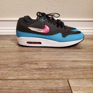 Womens Nike Air Max Sneakers Sz 9.5 zq